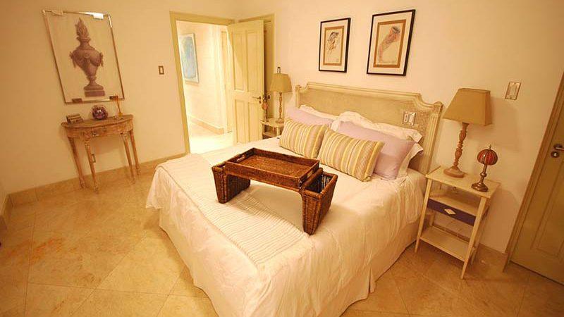 Waterside - Bedroom with Ensuite bathroom