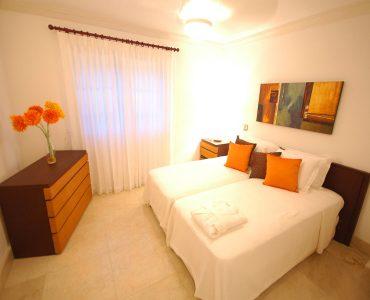 Waterside - Spacious bedroom